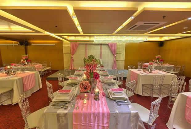 Banquet Set Up 3
