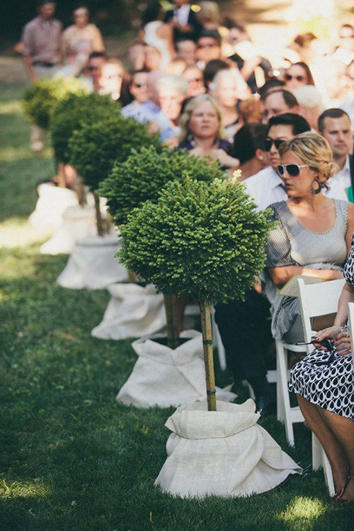 ceremony-aisle-decorations-potted-topiaries