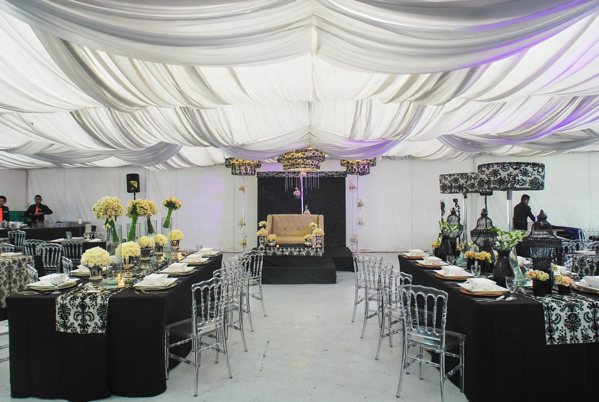 Get to know which wedding venue type is ideal for you hizons tent type ideal wedding venue for big weddings junglespirit Images