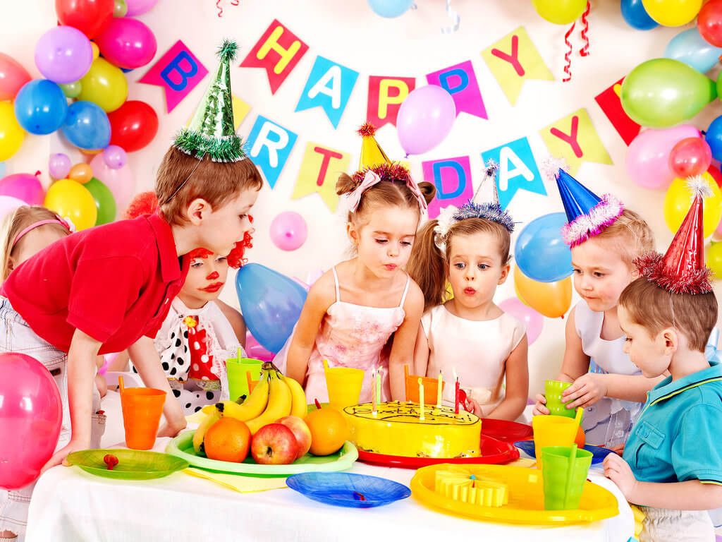 Give Your Kids A Fun Birthday Party That They Will Love And Remember Know Some Entertainment Invitation Theme Costume Related Tips Guide